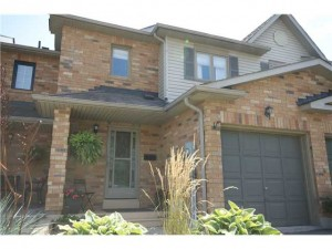 Town house for sale in Barrie